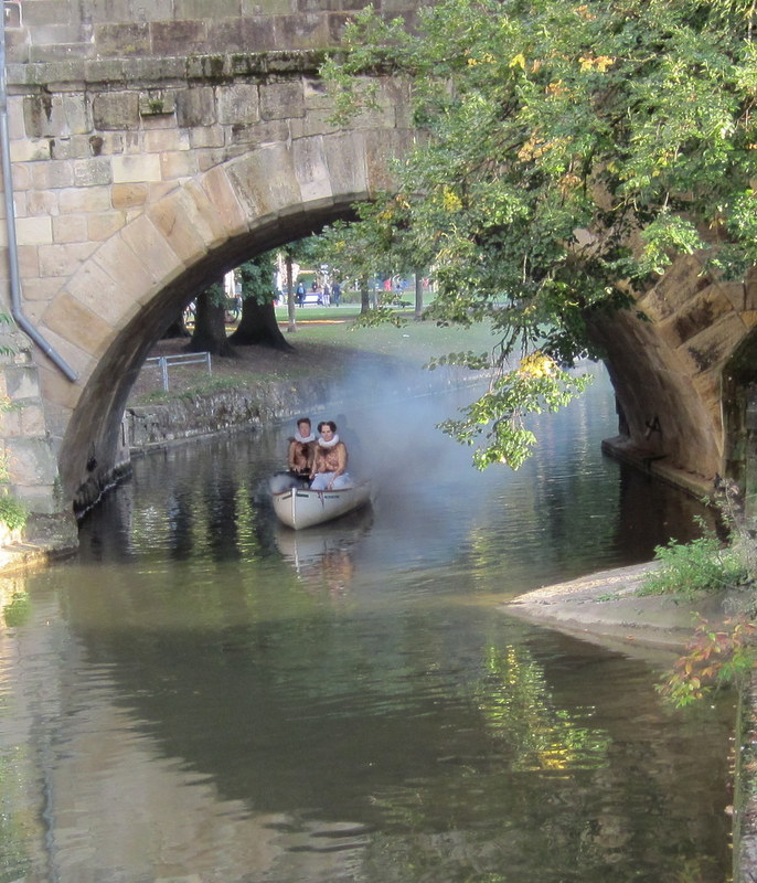 Fantasiewesen auf dem Kanal
